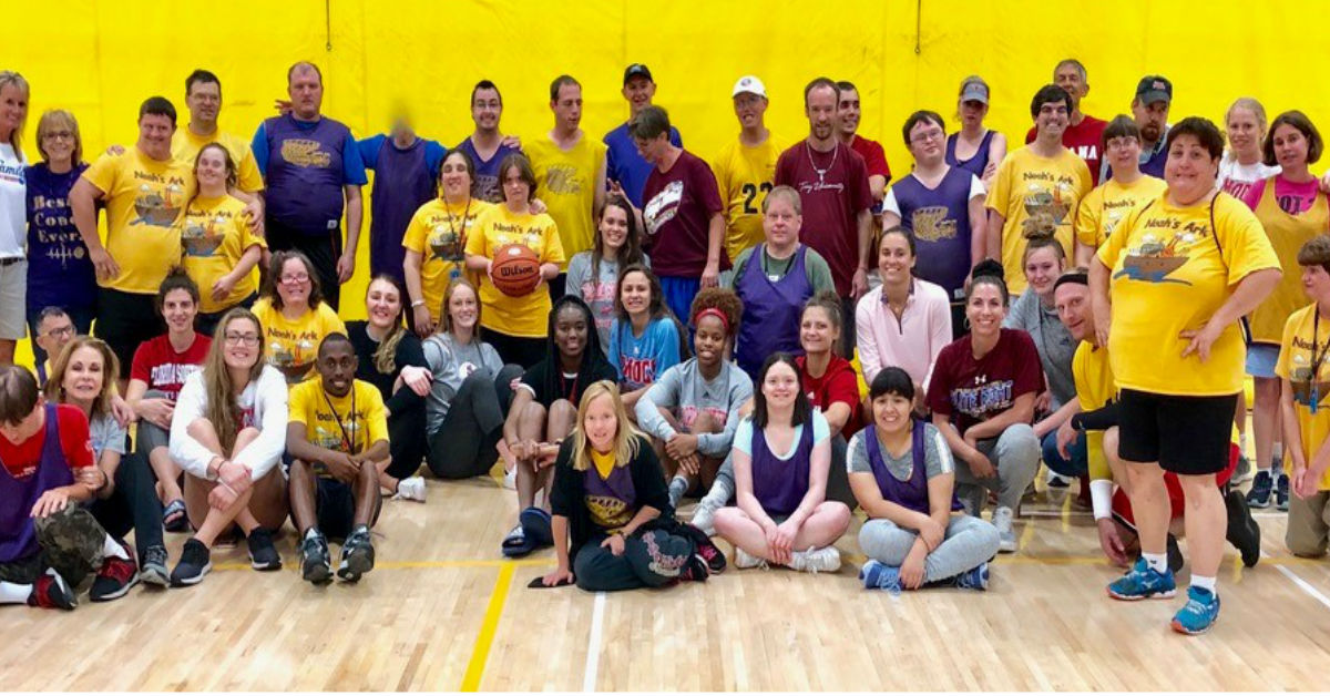 Residents & Members enjoy Basketball with Florida Southern's Lady Mocs